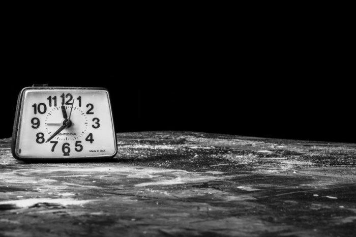 mopana-alarm-clock